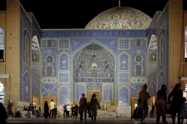 Naqshe-Jahan-Mosque-Isfahan-Dara-Tsh-See-You-in-Ir_bbb44fb048b22f42b7725f663e196e52