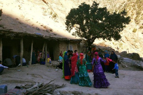 Nomadic girls dancing