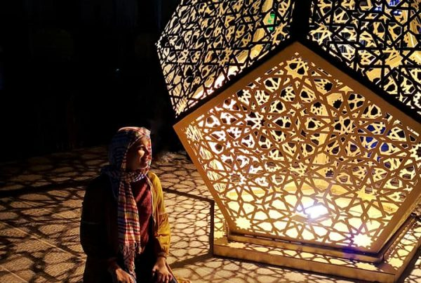 geometric-lights-iran